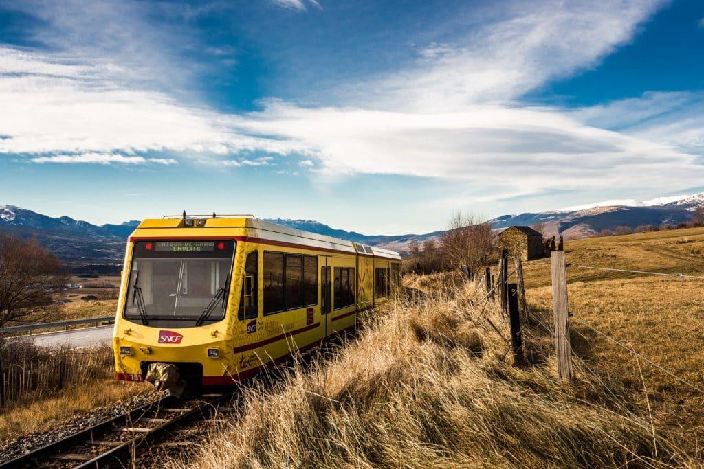 Train Jaune, train dernière génération traversant la Cerdagne.